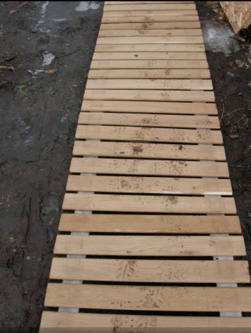 Иконо-версия на градинската пътека: дървена пътека от европалети със собствените си ръце