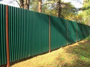 Ограда от велпапе