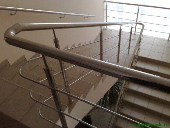 неръждаема стоманена ограда за стълби