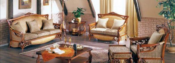 Плетени мебели във вътрешността на стаята
