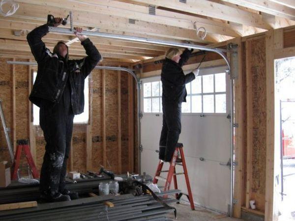 Монтиране на релсите към тавана