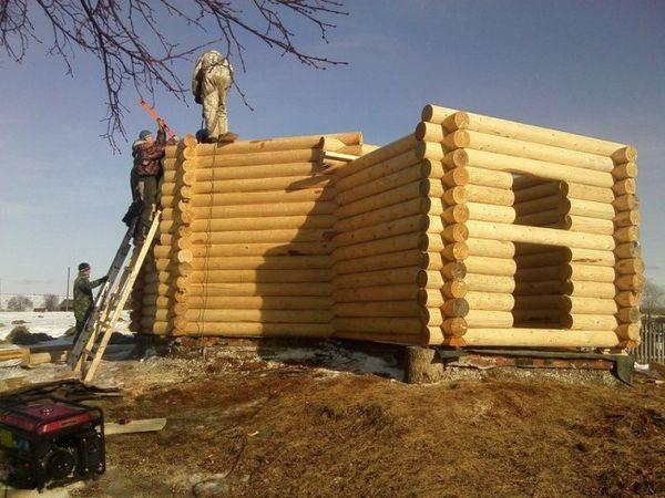 Изграждане на дървена къща със собствени ръце