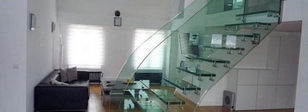 Стъклени огради за тераси и стълбища