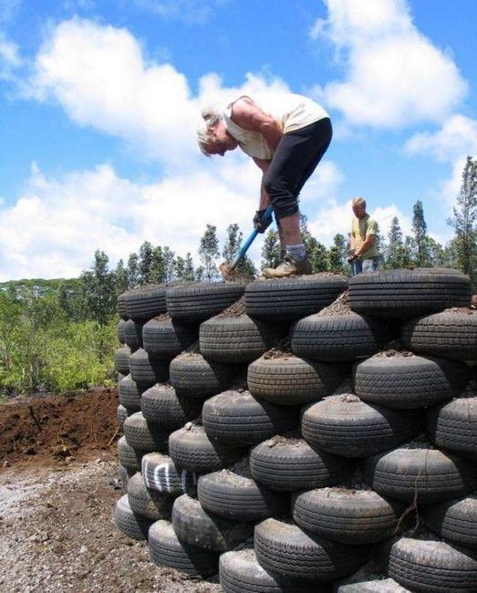 Изграждане на ограда от гумени гуми